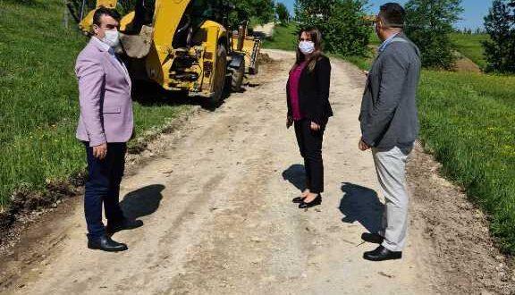 Власеница : Припреме за асфалтирање пута на Цвијетњу