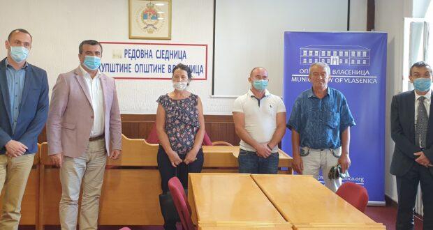 Власеница : Уручени кључеви корисницима Програма за опоравак од поплава у општини Власеница