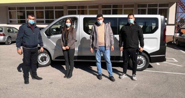 Власеница : СШЦ добио комби за превоз ученика